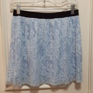 🛍️ Lace pleated skirt
